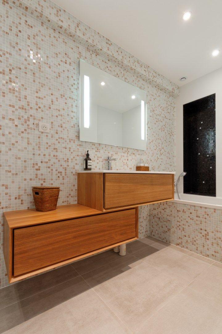 Les 46 meilleures images propos de agence avous salle for Carreaux salle de bain bleu