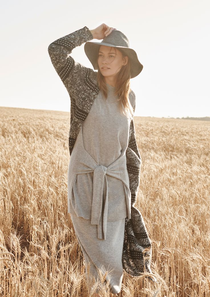 A long and lean knit, with tie-waist detail.