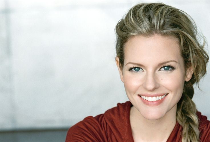 """Chelsey Crisp, on Acting, Roles on ABC's """"Fresh Off the Boat,"""" Latest film """"InLawfully Yours,"""" & Work with the Improv Group - Duchess Riot."""