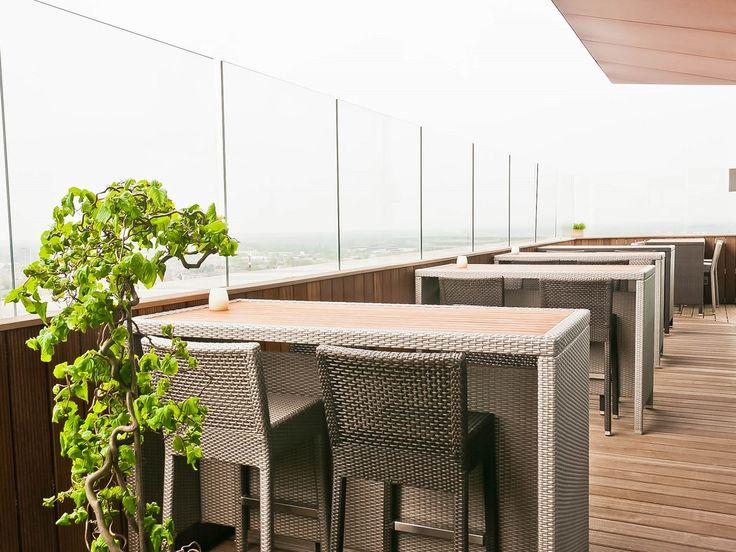 Proef van de vermaarde, internationale keuken in de Sky Lounge van het Radisson Blu Hotel in Hasselt en geniet van een uniek uitzicht!