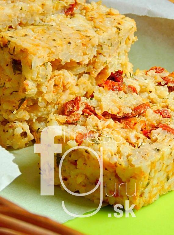 Zapekaná ryža so sušenými paradajkami a cukinou