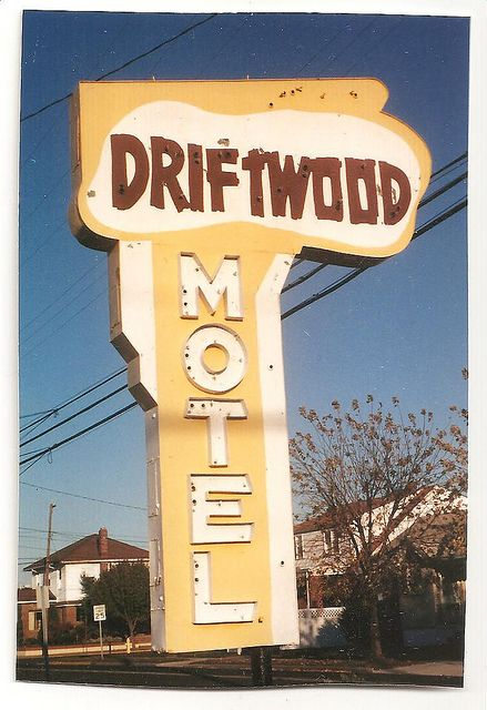 1950s Driftwood Motel vintage neon sign - North Wildwood NJ.  Love the subtlety of these colours.