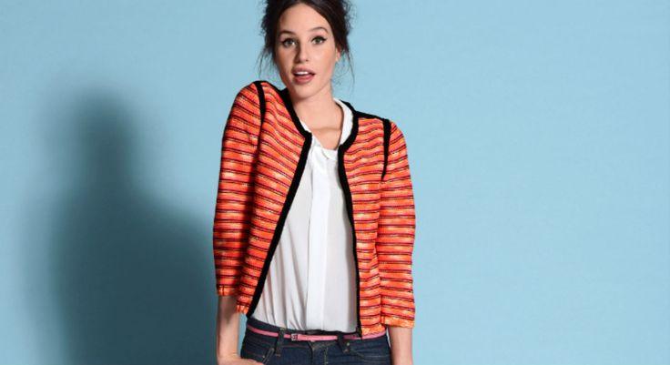 """Clin d 'œil chic très """"Couture"""", cette veste courte façon spencer mélange 3 tons de fils colorés. A porter décontractée pour éviter un look trop classique. Cette veste ..."""
