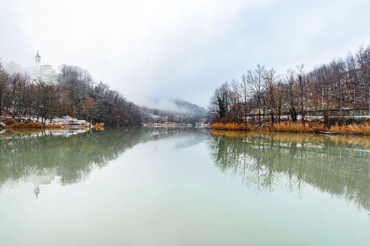Lago Castel dellìAlpi - Vista del lago di Castel dell'Alpi in inverno.