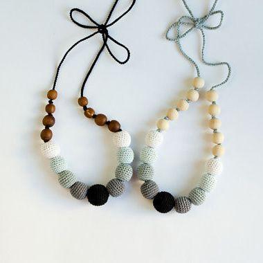 Black & White Ombre Nursing Necklace (Dark Apple wood)