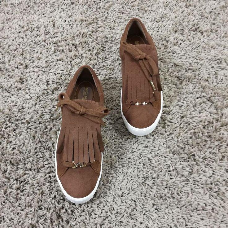 Natural feeling  #michalekors -30% riccishop.it  #michaelkorshoes #woman #sale #saleoff #shoes #scarpe #sneakers #winter #cool #love #amazing #loveshoes #loveshopping #shoponline #multibrandstore #riccishop Elimina commentoriccishop_it#followforfollow #follow #followus #donna #woman #girl #fashion #fashionshoes