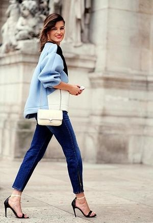 シンプルデニムできれい色アイテムを引き立たせる♡♡♡ アラフォー(40代)女性向けのスリムデニムコーデまとめ。レディースファッションの参考に☆