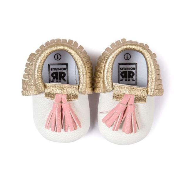 Trendy Leather Moccasins Available on Shopify! Shop here  http://dreamlittleangel.com/products/trendy-leather-moccasins?utm_campaign=crowdfire&utm_content=crowdfire&utm_medium=social&utm_source=pinterest