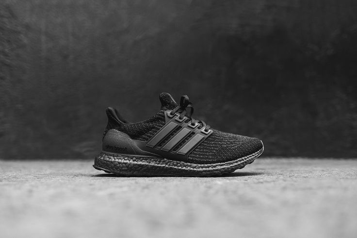 "LIMITED EDITION ""TRIPLE BLACK"" ULTRA BOOST 3.0 DEAD STOCK TRAINERS - UK 8.5 RARE"