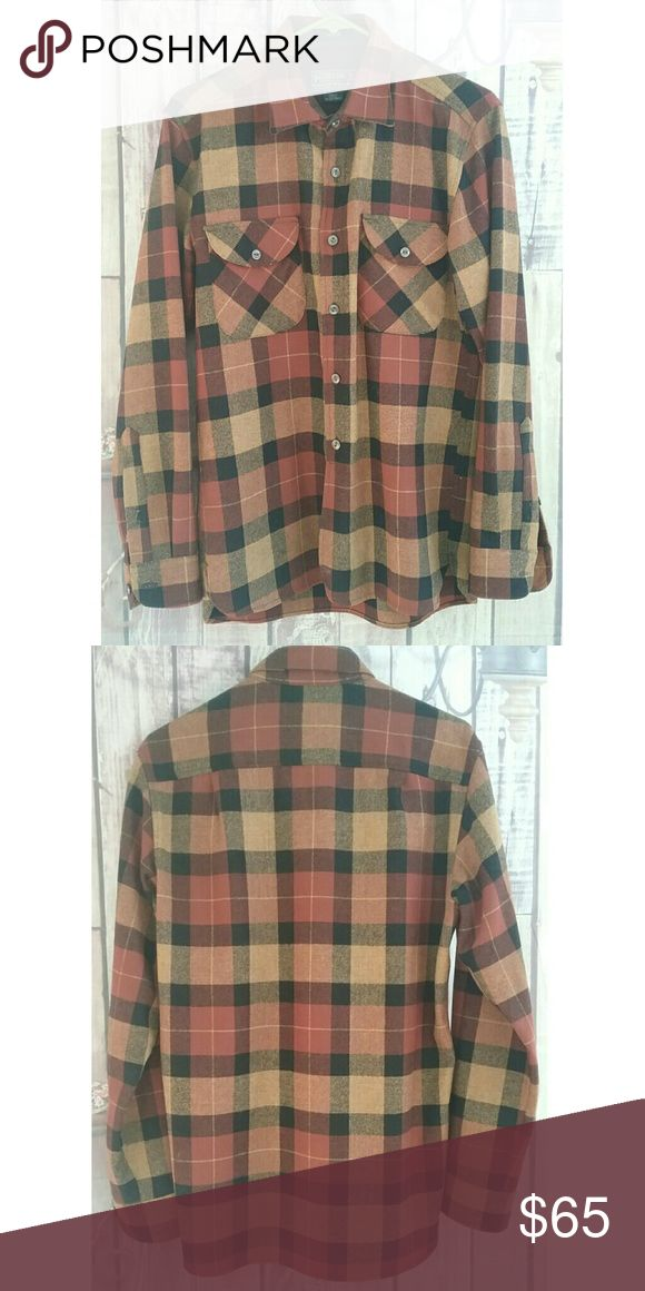 Pendleton Oliver men's plaid flannel In excellent condition No holes or tears or stains or fading Pendleton Shirts Casual Button Down Shirts
