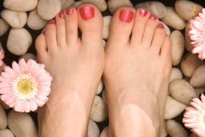 The Best Do-It-Yourself Pedicure Tips: Cranky Feet, Home Pedicures, Do It Yourself Pedicures, Mani Pedi Makeup, Diy Pedicures, Poor Feet, Aches Feet, Modcloth Makeitwork, Dyi Pedicures