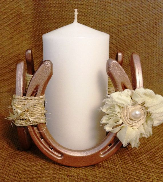 Mason Jar Wedding Ideas: Decorative Horseshoe Fixture With Mason Jar By