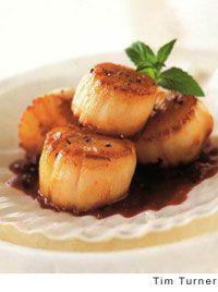Scallops in Berry Glaze Recipe | Leite's Culinaria