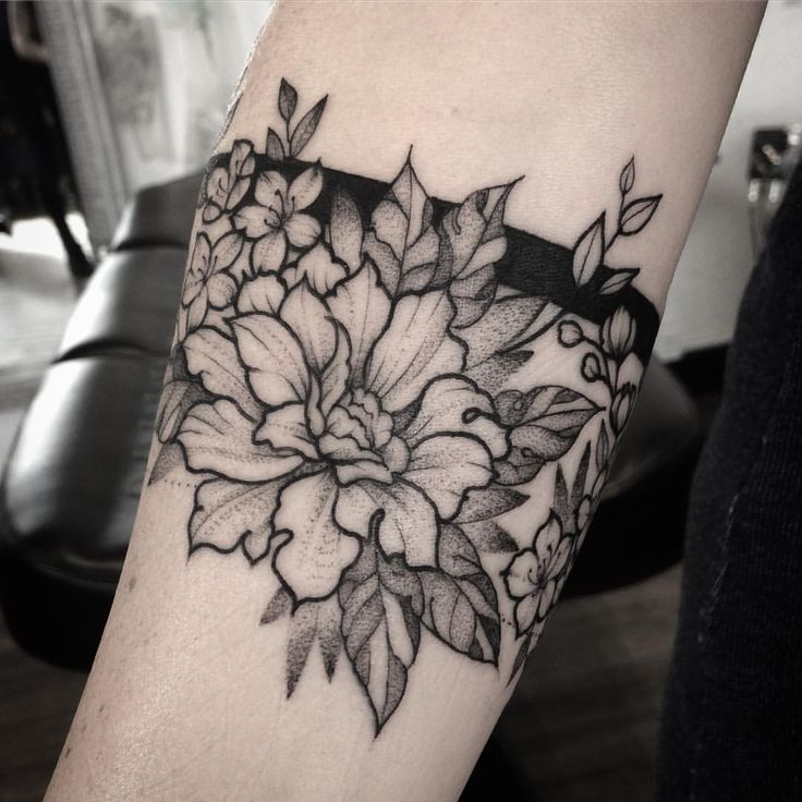 "259 Likes, 3 Comments - Rosie Roo (@rosieroo_tattoo) on Instagram: ""Floral armband, with peony and cherry blossom. #blackworktattoo #blackworkerssubmission #blackwork…"""