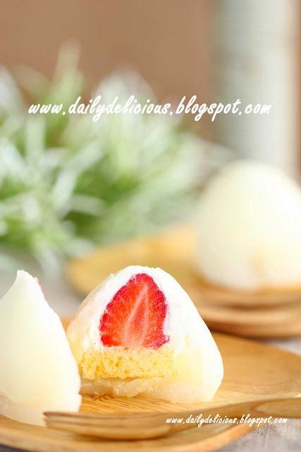 dailydelicious thai: Youki Ichigo 雪苺娘(ゆきいちご): Strawberry and cream Daifuku (using 白玉粉)