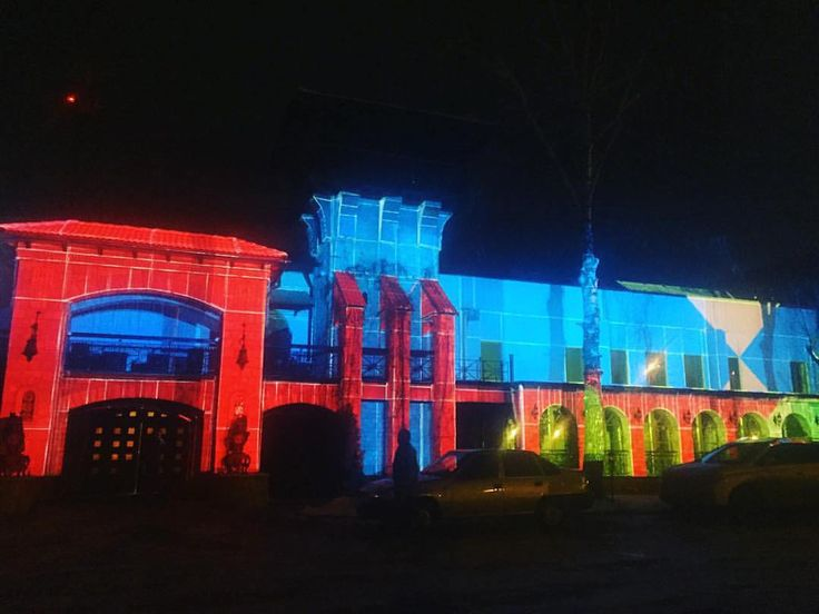 Thanks to 3d mapping show we have the ability to transform any surface, to have a new look on a familiar building and turn it into an art object. And help us in this, our machine park of powerful Projector's Panasonic and indispensable media server d3 technology. #mapping #dreamlaser
