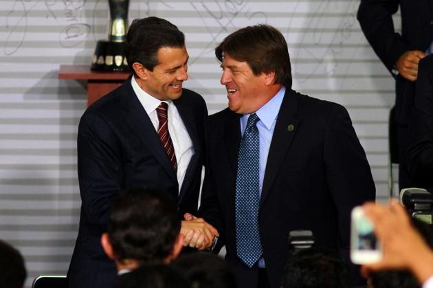 La Selección brasileña de fútbol jugará dos partidos amistosos en casa contra México y Honduras antes de la Copa América que se disputará a mediados de año en Chile, según informaron hoy fuentes deportivas Regeneración, 13 de marzo de 2015.-El juego en cuestión se disputará en territorio brasileño en escenario aún por definir. Para algunos …