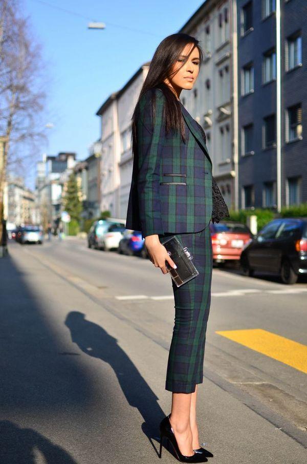 おしゃれ上級者のタータンチェック! おすすめのパンツスーツコーデ。人気のトレンドファッションの参考一覧。