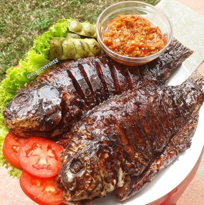 Ekor Ikan Nila Uk Besar 1bh Air Perasan Jeruk Nipis Kecap Manis Seckpnya Mentega Secukupnya Food Meat Pork