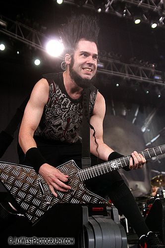 Oh, Wayne Static.  I could just eat you up XDD  Too bad Mrs. Static has dibs :P