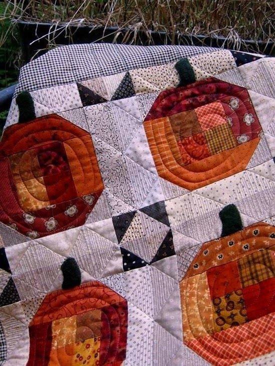 Pumpkin Patch quilt at Chez Stitches