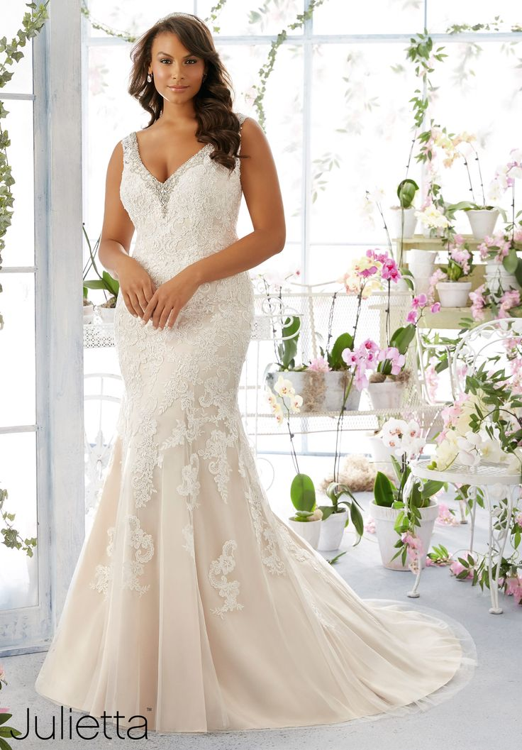 18 best Plus Size Bohemian style wedding dresses images on ...