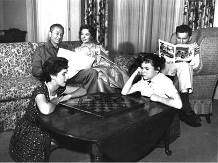 "father knows best | Source: ""Father Knows Best"" (1954-1963) with Robert Young, Jane Wyatt ..."