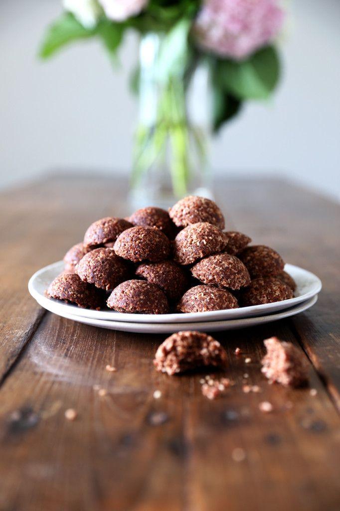 Raw Cacao Caramel & Hazelnut Cacao Macaroons