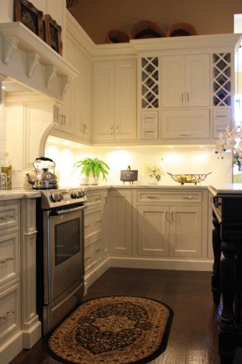 25 Best Ideas about Kitchen Under Cabinet Lighting on Pinterest