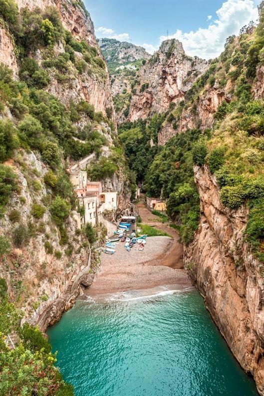 From the quaint fishing village of Atrani to ravishing, cliff-hanging Positano, …