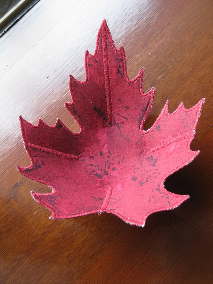 Fabric Leaf Bowl- Follow link to FREE pattern ...