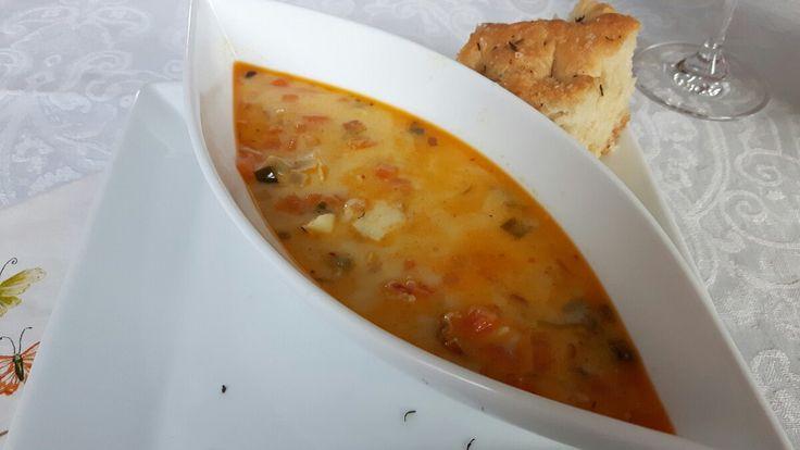 I går var det klubb, og da valgte jeg å lage fiskesuppe med choritzo. Oppskrift på...
