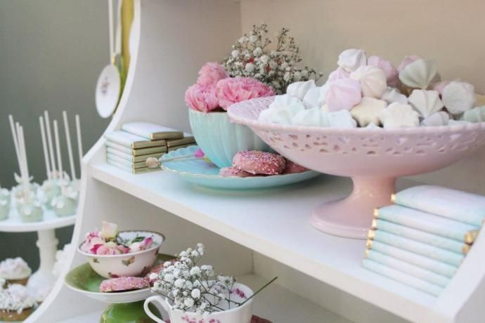 251815 435277516483336 2006260424 n Tea Party di compleanno in stile vintage