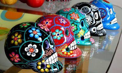 Têtes de mort mexicaines typique de l'art mexicain.