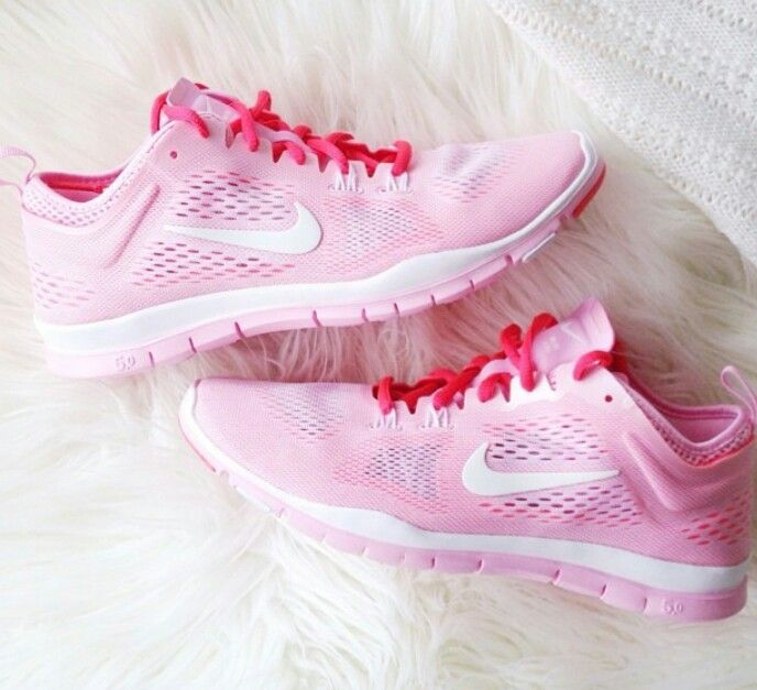 Strawberry nikes? #gonerunning I've been obsessed with Nikes!!!! I need these