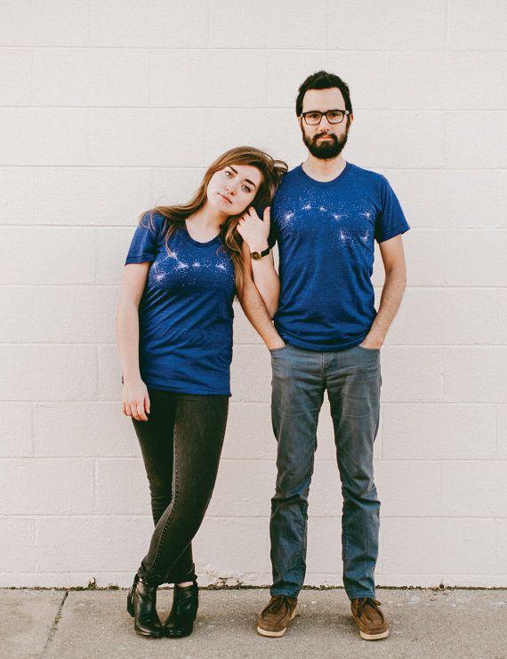 Grande Ourse petite Ourse Tshirt ensemble, graphiques t-shirts pour hommes et femmes, chemises assorties, chemises de couples, astronomie t shirt, la Saint-Valentin par blackbirdsupply