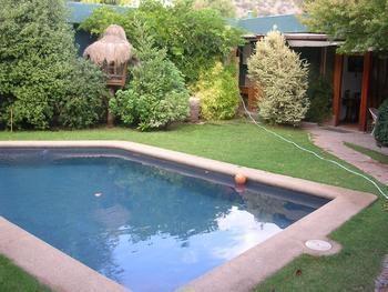 www.procasa.cl Irarrázaval Propiedades Suc Ñuñoa, Preciosa y acogedora Casa Remodelada y amoblada (piscina y jardín uso exclusivo de la casa que se está arrendando), no dejar de visitar, Cecilia Fuentes al 98283904/22744950. Código 51338.