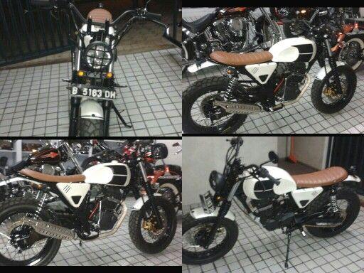 Honda gl200 scrambler