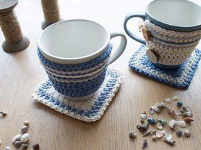 Conjunto em crochê de capinha para caneca e tapetinho...