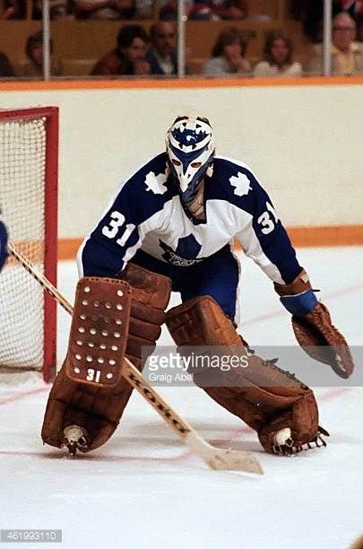 jiri-crha-of-the-toronto-maple-leafs-prepares-for-a-shot-against-the-picture-id461993110 (405×612)