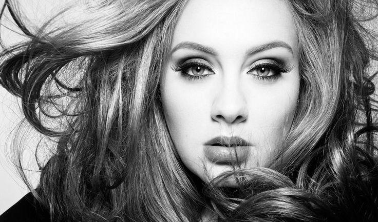 Hoy, 20 de noviembre de 2015, ha salido a la venta el esperadísimo tercer álbum de Adele: '25'.