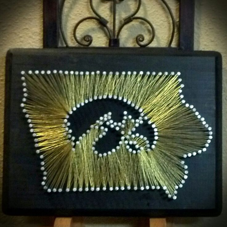 Visit my Etsy page if you would like to order one at: https://www.etsy.com/shop/MarrissasStringArt Or visit my How To Blog: http://marrissas.blogspot.com/ Hawkeyes!! State string art HOW TO BLOG Iowa String Art, Iowa Hawkeyes