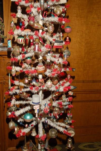435 best Antique Christmas Trees images on Pinterest | Antique ...