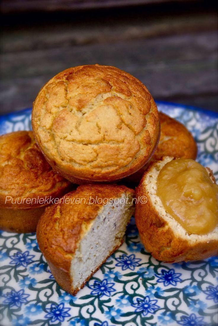 Muffins van kokosmeel, amandelmeel en gezoet met appelmoes