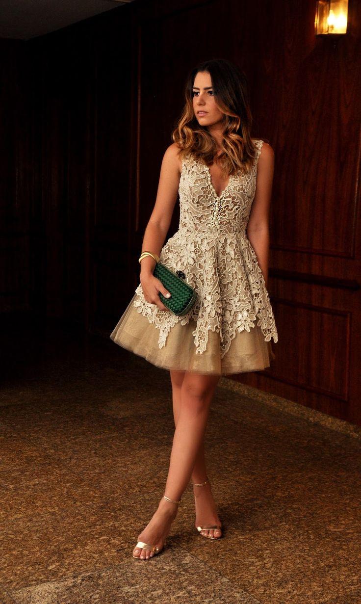 Dress                                                                                                                                                                                 Mais
