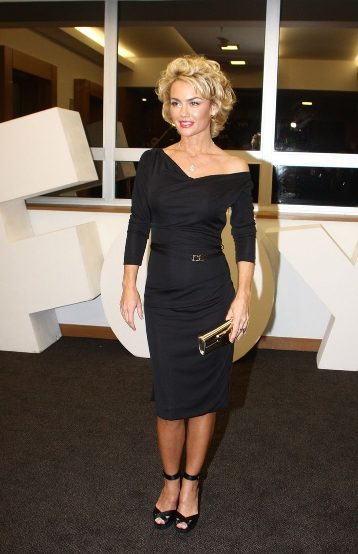 Kelly Carlson from nip / tuck. She reminds me of Marilyn in this picture!!