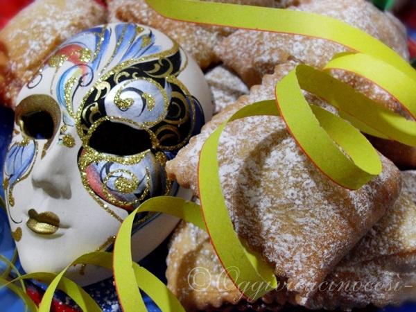 Cenci di Carnevale ripieni di Ricotta e Alchermes