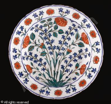 IZNIK CERAMIC, 16 > (Turkey)  Title : Polychrome dish  Date : ca 1575  Polychrome dish sold by Sotheby's, London, on Saturday, November 03, 2012