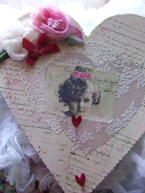 Valentines box made for a swap: Valentines Boxes, Vintage Valentines, Sweet Valentines, Valentines Heart, Cerri Banners, Garlands Banners, Banners Garlands, Heart Boxes, Vintage Style