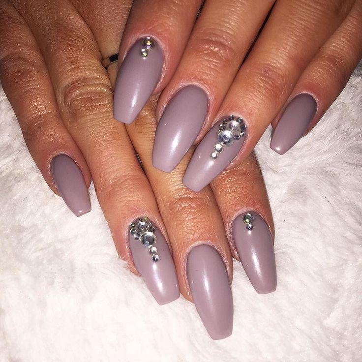 """Kust nu rockar jag nya färgen """"Little Stone""""   #nails #gelnails #gelenaglar #gelnaglar #nailnbeautybyanna #naglar #glitternails #nagelförlängning #nagelförstärkning #lackgel #REQ #glitternails #glitternaglar #glitter #frenchmanicure  #marin #bluenails #flakes #naildecoration #ögonfransförlängning #fransförlängning #fransar #lashes #lashextension #eyelashextension #luxuriouslashes #skövde #skövdekliniken #nailnbeautybyanna by nailnbeautybyanna"""